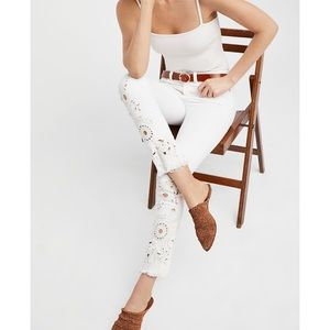 Free People Cut Out Cigarette Jeans Sz 30 White